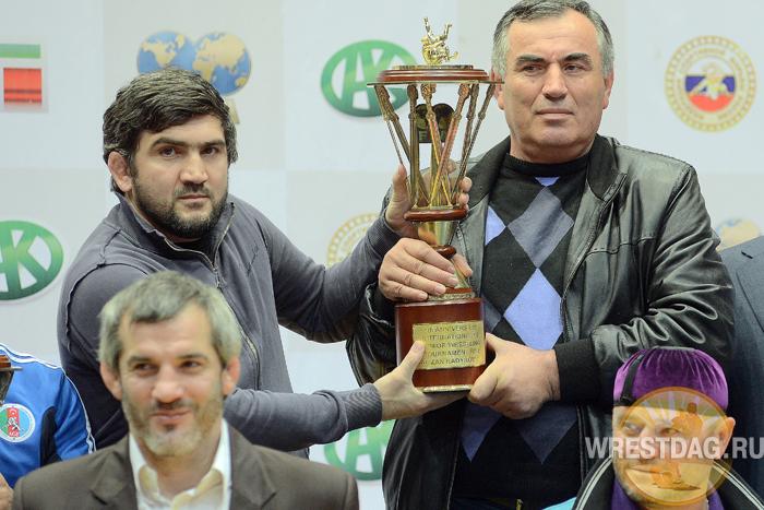Кубок Рамзана Кадырова вручен сборной Дагестана