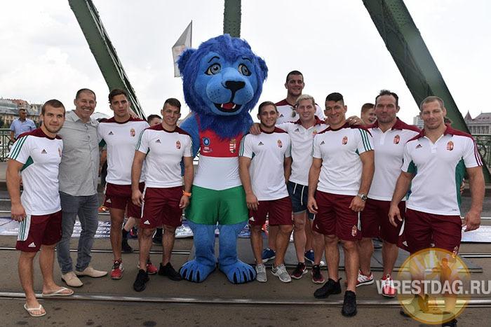 Флэшмоб «Мосты на мосту», посвященный чемпионату мира-2018