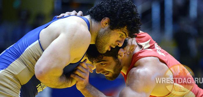 Алиевский турнир завершился поединком звезд борьбы