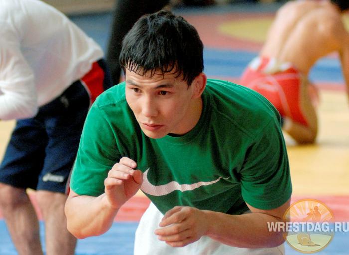 Виктор Лебедев намерен вернуться в наилегчайший вес