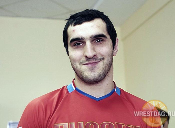 Боксер Магомед Омаров готовится со сборной к Универсиаде в Киргизии