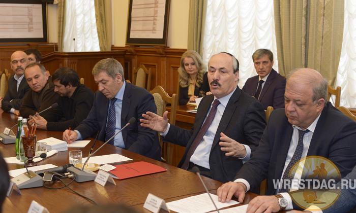 Дагестанских борцов принял глава республики