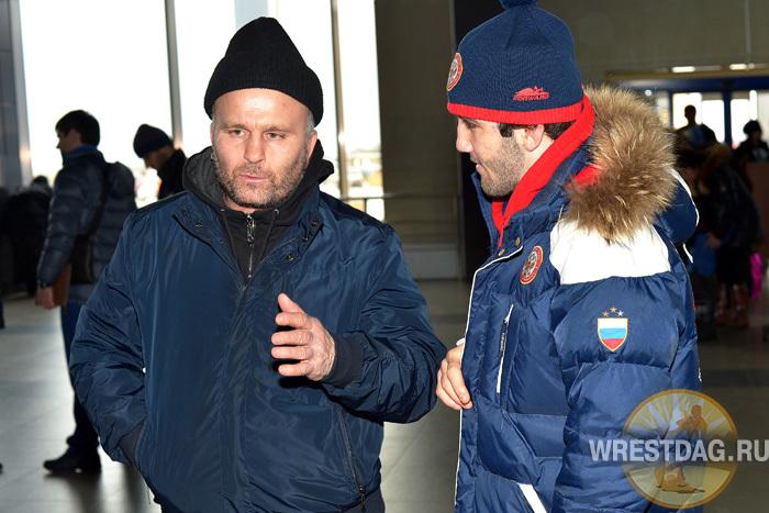 Курбан Газиев расписал ученику Муршиду Муталимову, как надо бороться в каждой схватке, включая финальную