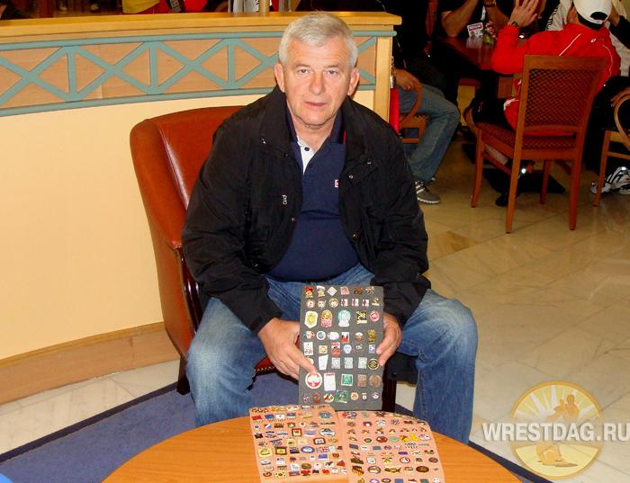 Коллекционер значков о борьбе с 40-летним стажем