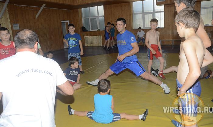 Заур Батаев дал мастер-класс юным динамовцам
