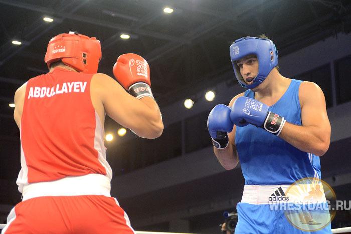 Магомед Омаров одержал досрочную победу в полуфинале Универсиады