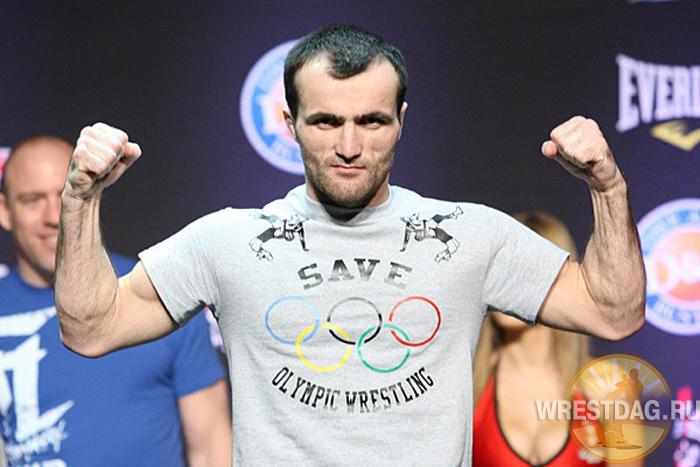 Вернувшийся из США победителем турнира Bellator Магомедрасул Хасбулаев дал интервью wrestdag.ru