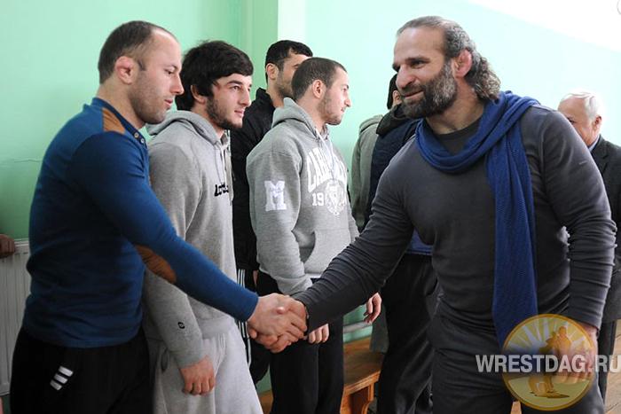 Лука Куртанидзе приветствует грузинских борцов