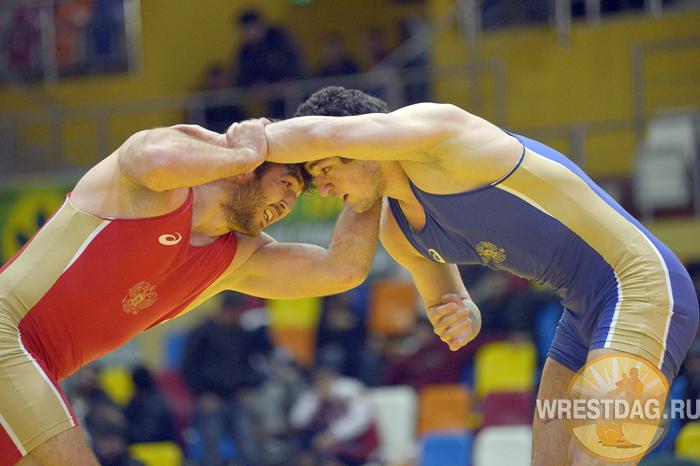 Дагестанские вольники разыграли путевки на чемпионат СКФО