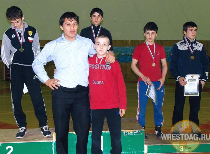 В Махачкале прошло первенство Дагестана по греко-римской борьбе среди юношей 1996-1997 годов рождения